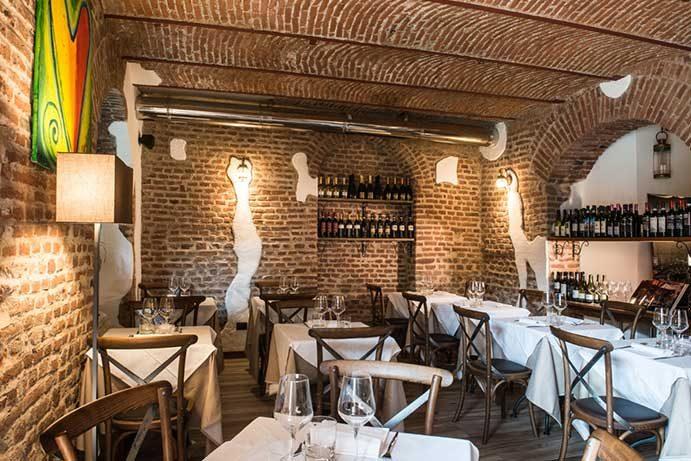 Osteria della Darsena ristorante navigli Milano e cocktails | Pranzo Cena cucina osteria Milano Navigli ristorante | Immagine Prenota Home