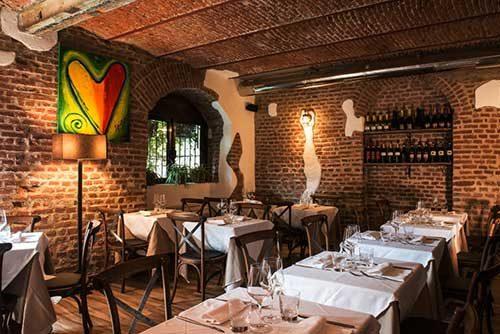 Osteria della Darsena ristorante navigli Milano e cocktails | Pranzo Cena cucina osteria Milano Navigli ristorante | Immagine Location 1