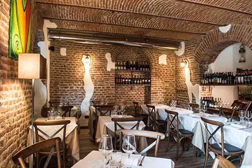 Osteria della Darsena ristorante navigli Milano e cocktails | Pranzo Cena cucina osteria Milano Navigli ristorante | Immagine Location 3